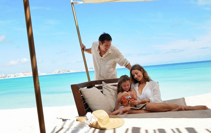 family resort club med cancun