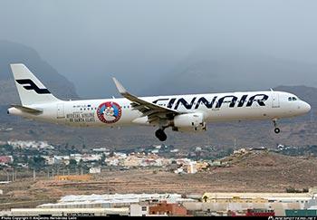 Finnair Airbus A321 Santa Claus