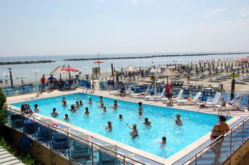 Club Hotel Bikini e Tropicana hotel famiglie lido di savio family hotel emili...
