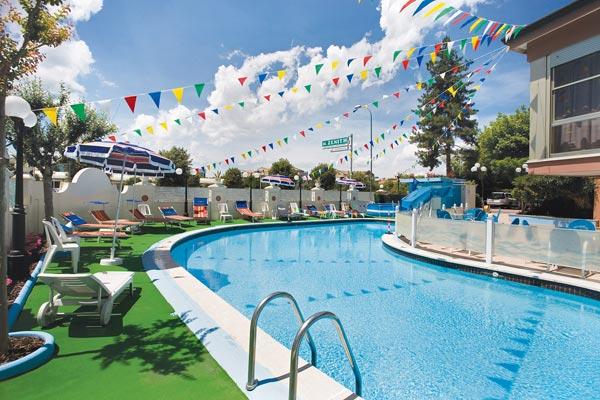 Hotel zenith pinarella di cervia vacanza con la famiglia - Hotel con piscina cervia ...