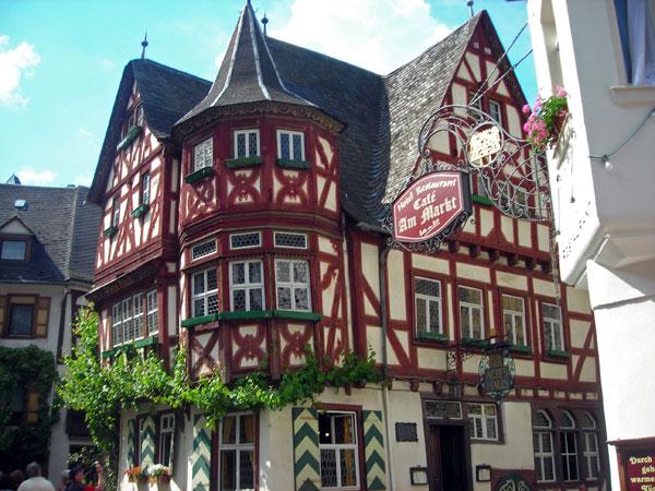 Vacanze per famiglie in germania e olanda tra castelli e for Case che sembrano castelli