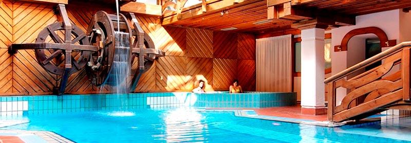 Relais des alpes madonna di campiglio family hotel bambini for Asciugacapelli a parete per piscine