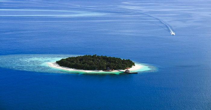 AN-maldives-ihuru-gallery-hotel-island2-1280x670