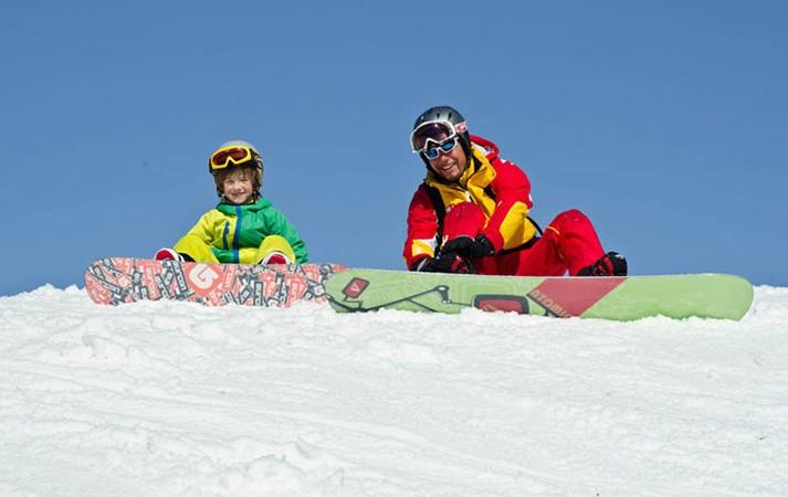 in carinzia con la famiglia sulla neve