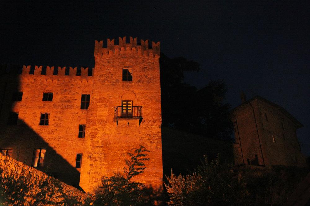 Castelli-Ducato-Parma-Piacenza-Tabiano-relais-torre-notturno_Dormire