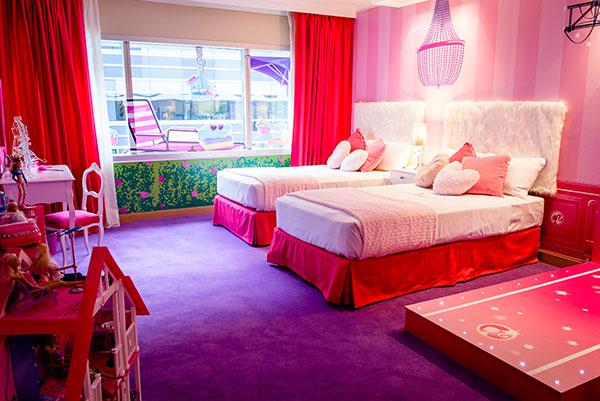 Camere Disneyland Hotel : Family hotel: le più originali camere a tema nel mondo : bimbo in
