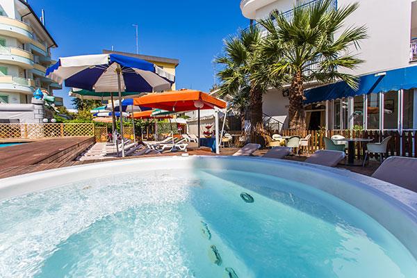 Family hotel lido europa riccione - Residence riccione con piscina ...