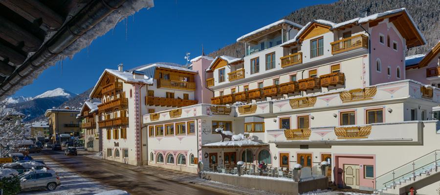 Palace Hotel Ravelli - Family Hotel in Val di Sole vicino a Marilleva con  piscine, SPA e miniclub