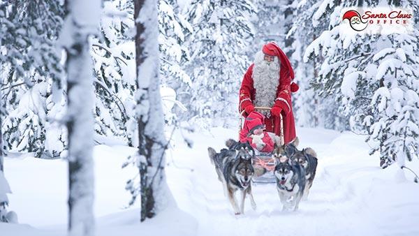 Viaggio Paese Babbo Natale.Il Villaggio Di Babbo Natale A Rovaniemi Lapponia Finlandese