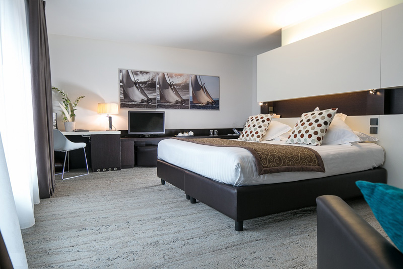 Chambre De Luxe Royal : Royal antibes luxury hotel residence beach spa
