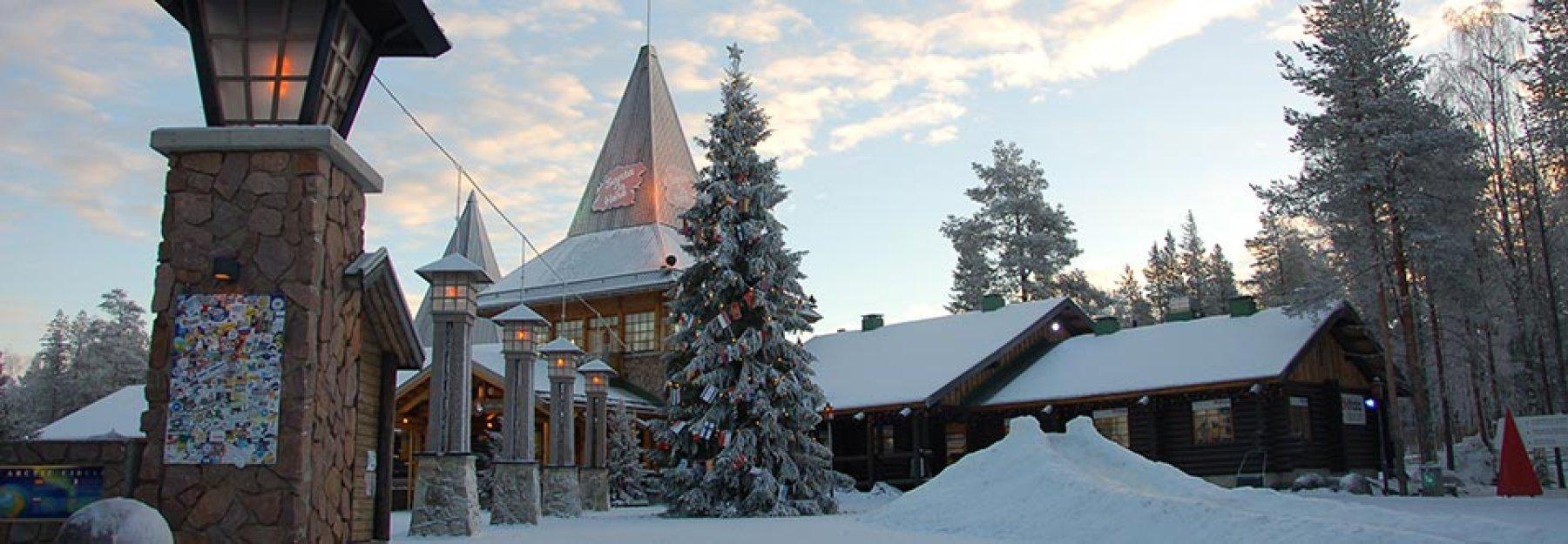 Rovaniemi Lapponia Babbo Natale.Il Villaggio Di Babbo Natale A Rovaniemi Lapponia Finlandese