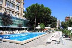 piscina hotel lotus rimini