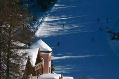 sciare in notturna a obereggen family hotel