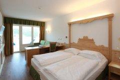 hotel con servizi per bambini sul lago di levico