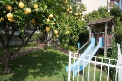 Residence con piscina per famiglie in liguria