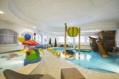 hotel con attività per bambini a merano