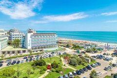family beach resort lido