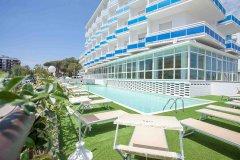 family beach resort lido milano marittima