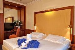 hotel-sporting-terme-di-galzignano_7656118862_o