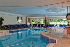 piscina-interna-hotel-sporting_8413077245_o