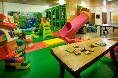 hotel con animazione per bambini passo del tonale