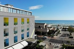 hotel adelphi fronte mare