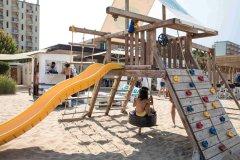 Adler-giochi-in-spiaggia-001