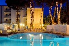 hotel piscina bambini cesenatico