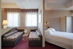 alberghi con mini club per bambini a rimini