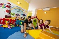alberghi con servizi per bambini cattolica