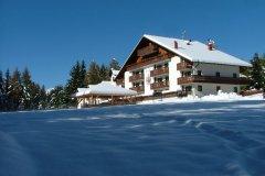 alberghi con attività per famiglie a bellamonte in trentino