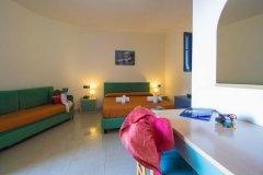 Camere-hotel-a-40-mt-panoramica-interno-1