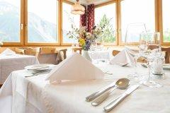 Aparthotel-Muchetta-Davos-Tisch-Restaurant-2019-web