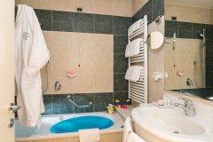 hotel con servizi per bambini sul lago di garda