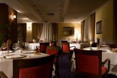 restaurant-la-ghiandaia-il-picciolo-etna-golf-resort_8789686787_o