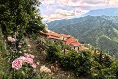 escursione per famiglie a Triora il paese delle streghe vicino a Sanremo