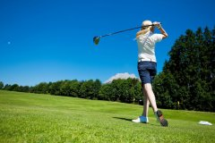 5cacb64b2c7b8_abschlag-golf-b