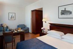 Starhotels-Excelsior_BO_Deluxe-Room2-1