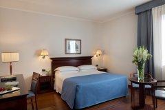 Starhotels-Excelsior_BO_Triple-room-3