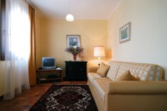 adriabella-tenuta-regina-2005-gardin-airone-soggiorno-01-3682-copia