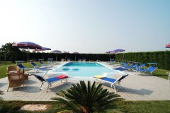 adriabella-tenuta-regina-2005-gardin-piscina-04-3662-copia