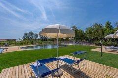 adriabella-tenuta-regina-agriturismo-fs-2019-foto-esterni-piscina-3-1800x1200