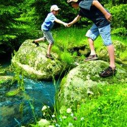 bimbi in vacanza in germania nella foresta nera