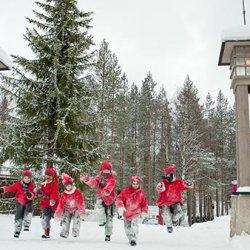 gli elfi di babbo natale in finlandia