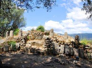 3-Filitosa-menhir