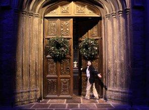 Great-Hall-doors-at-Christmas