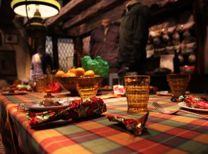 Weasley-kitchen-at-Christmas