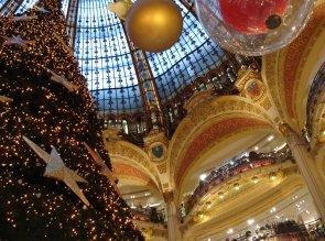 11-parigi-natale-Galeries_Lafayette_Haussmann