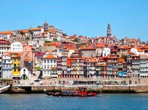1-Cais_da_Ribeira,_Oporto,_Portugal,_2012-05-09,_DD_11