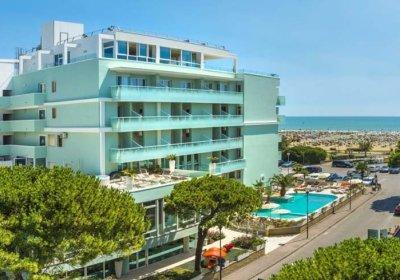 hotel_hotel-montecarlo_esterno-900x550